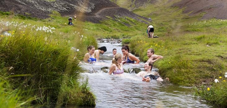 Hotsprings and Hiking. Varma källor. Reykjavik. Vandring på Island.